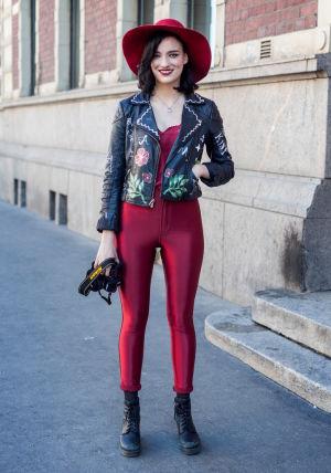 En fashionabel tjej på Helsingfors gator, fotade av Hel Looks.