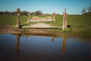 vesieste maastoesteratsastusradalla