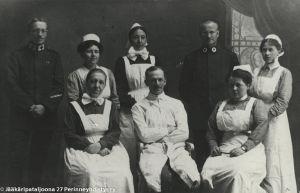 Sairaanhoitohenkilökuntaa Saksan itärintamalla (1916/1917).