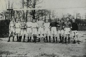 Suomalaisjääkärit Libaussa (1917).