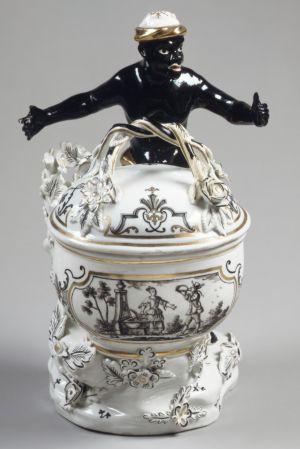 Sugar box, Hard-paste porcelain