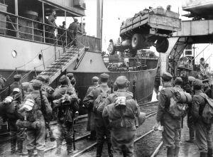 Finländska soldater anländer till Torneå, Lapplandskriget