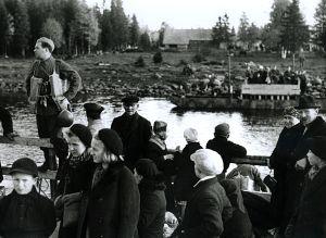Evakuering från Torneå till Haparanda med färja, Lapplandskriget