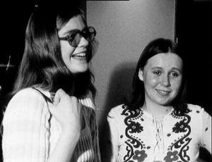 Jääkärin morsian -näytelmän yleisöä (1972).