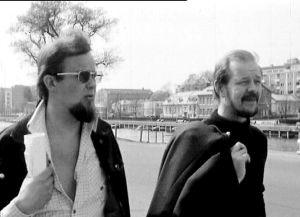Kalle Holmberg ja Mats Långbacka kävelevät Turussa (1972).