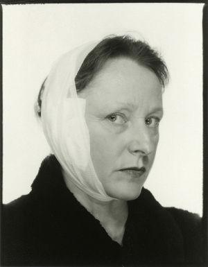 Kuva: Hannele Rantala, sarjasta Passikuvia (2002).