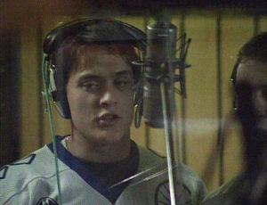 Teemu Selänne laulaa studiossa 1991.