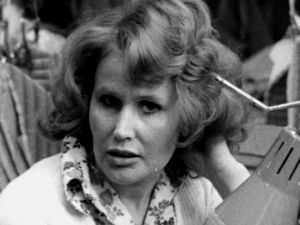 Ompelija Liisa Tilli (1974).