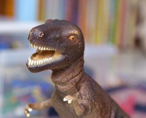 Muovinen Tyrannosaurus Rex