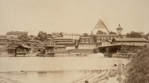 Borgå domkyrka och gamla bron på1890-talet