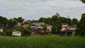 Borgå domkyrka med gamla bron och ålandskapet år 2015