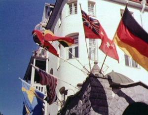 Liput liehuvat Imatran valtionhotellissa 1961