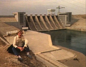 Toimittaja Hannu Väisänen Eufrat-virran padolla