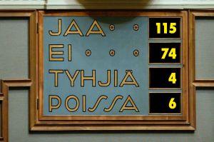 Riksdagens beslut från 5.12.2015 om Fennovoimas principansökan om att få bygga kärnkraftverket med Rosatoms reaktor.