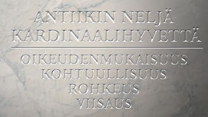 antiikin neljä kardinaalihyvettä marmoritaulussa