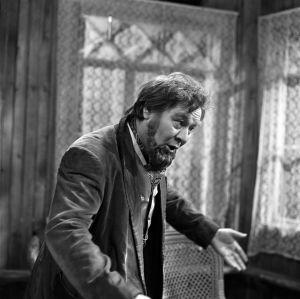 Matti Varjo Televisioteatterin näytelmässä Vanja-eno vuonna 1971.