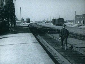 Junalippujen hinnoittelusta pöyristynyt laihialaismies keksi keinon säästää.