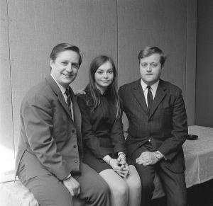 Kapellmästaren Ossi Runne, sångerskan Kristina Hautala och kompositören  Esko Linnavalli i Eurovisionen 1968