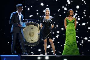 Mikko Leppilampi, Sonja Lumme och Janna Pelkonen vid Eurovisionen i Helsingfors 2007