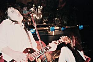 Smack keikalla, etualalla kitaristi Rane Raitsikka