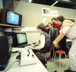Teksti-tv:n toimitus 1980-luvulla.