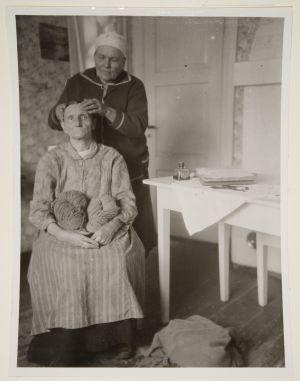 Anni Niemelä hierottavana (1927)