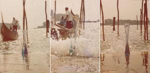 Gondoli Venetsiassa, Wirkkalan taidelasia etualalla