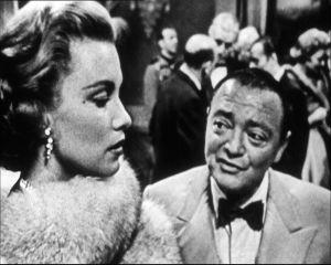 Linda Christian on kaunotar Valerie Mathis ja Peter Lorre on roisto Le Chiffre elokuvassa Casino Royale (1954)