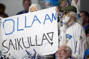 Finländska supportrar i S:t Petersburg.