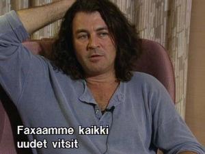 Laulaja Ian Gillan Rockstop-ohjelmassa.