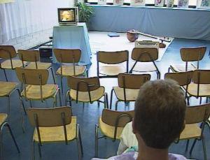 Messuilla oli mahdollista kuunnella parantavaa musiikkia televisiosta.