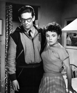 Matti Ranin ja Sirkka-Liisa Wilén elokuvassa Kolmiapila (1953).