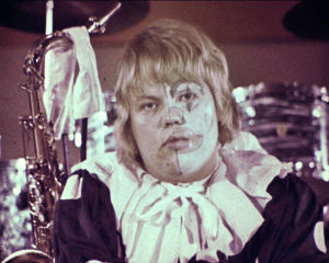 Markku Suominen veljensä Tapion elokuvassa Narrien illat (1970).