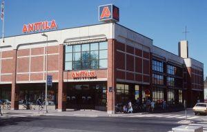 Anttilan tavaratalo Kokkolassa (1989)
