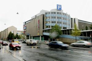 Anttilan tavaratalo ja pysäköintitalo Tampereella (2004)