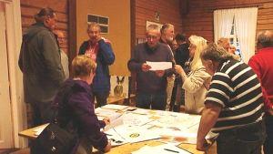 Invånare i Lovisatrakten vill ha mer information om vindkraft