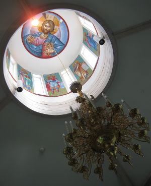 Lintulan luostarin kupolin sisäkatossa Jeesus.