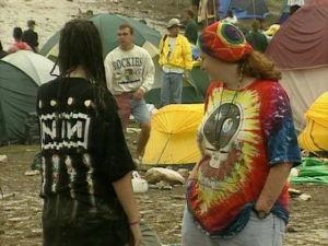 Yleisöä Woodstockissa vuonna 1994.