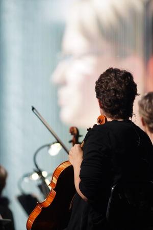 RSO:n viulisti Yle 90 -juhlalähetyksessä