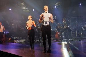 Tanssijoita esittämässä Ylen ohjelmien tunnuslauluja