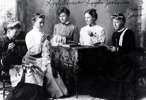 Emigrantkvinnor som arbetar som hembiträden i USA.