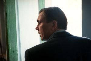 Pekka Valkeejärvi tv-draamassa Pesärikko (2000).