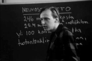 Jukka Savolainen Suomi-Neuvostoliitto-Seurasta kertoo sosialismista (1973).