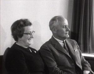 Ragnar Granit ja hänen vaimonsa Marguerite Bruun haastattelussa 1967