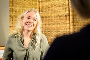Luciakandidat Annica Tallqvist intervjuas.