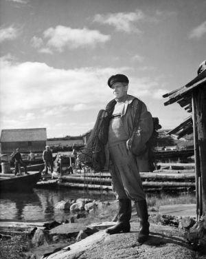 Toivo Hämeranta elokuvassa Saariston tyttö (1953).