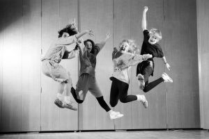 Ungdomar hoppar i 16, Yle 1993