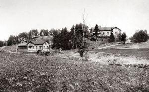 Gammal bild från korsningen till Ekenäs och Karis i Snappertuna. OBS! Får användas endast i artiklar som berör fotograf Vidar Lindqvist.