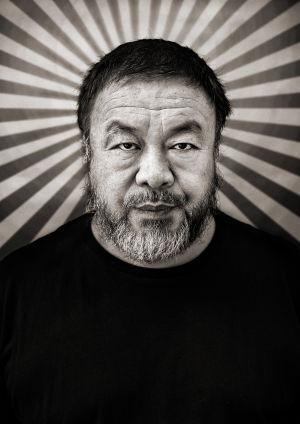 Fotograf Albert Wikings porträtt av konstnären Ai Weiwei.