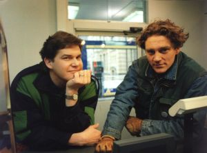 Hannes  (Risto Autio) ja Arttu (Ville Virtanen) vuonna 1995.